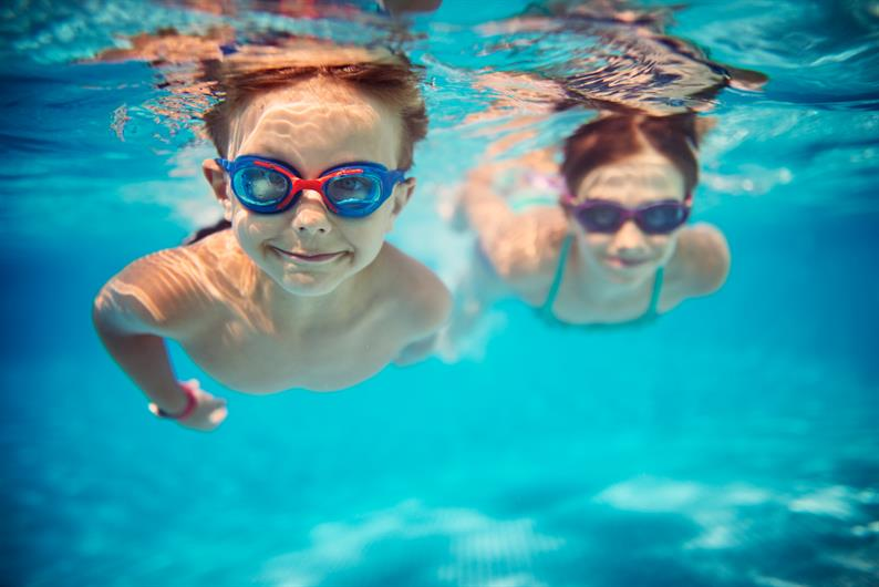 MAKE A SPLASH AT THE COMMUNITY POOL & CLUBHOUSE