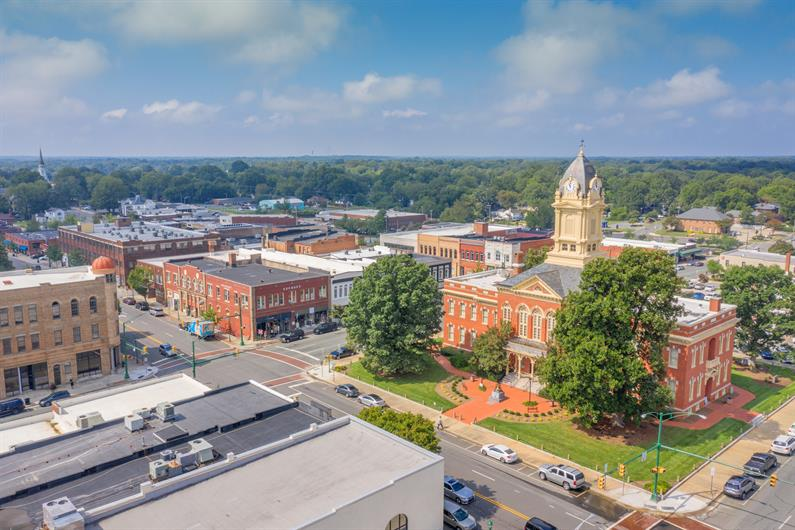 Explore Shopping and Dining Options in Downtown Monroe