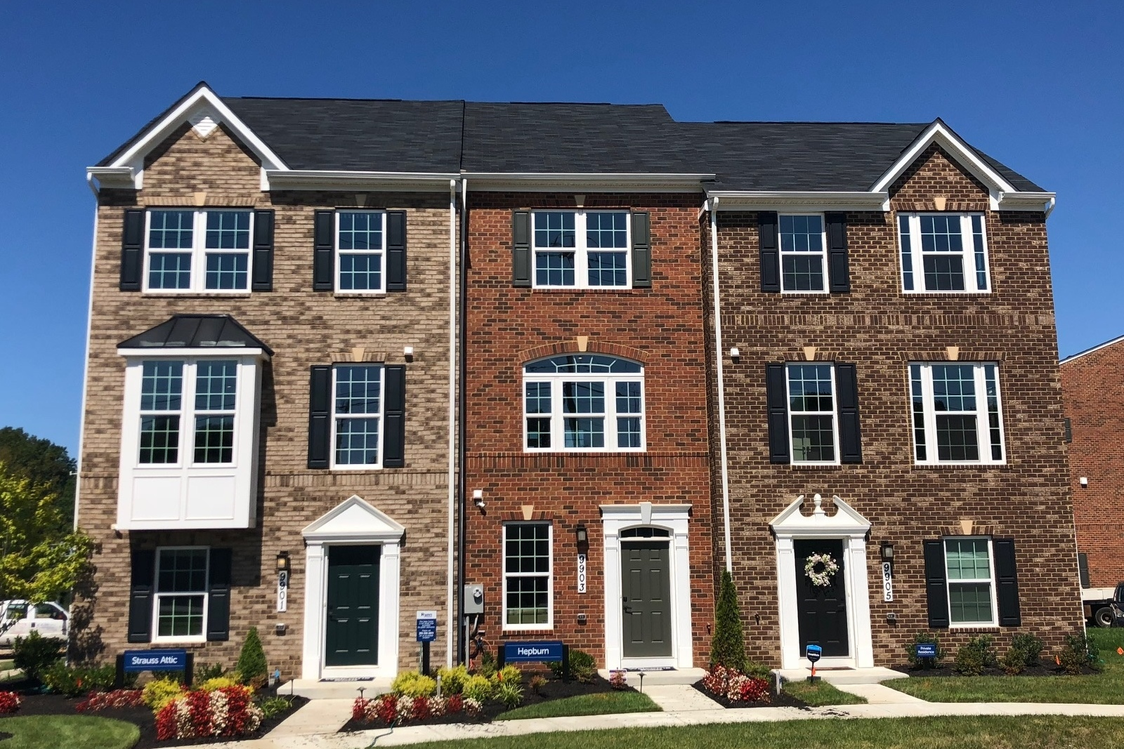 Our Spacious Garage Townhomes Are Only Minutes To Metro.
