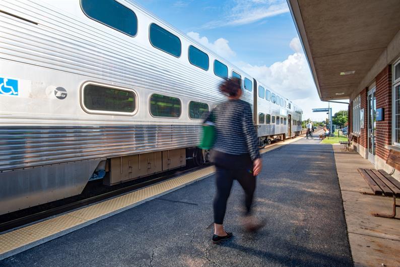 Easy Commuting w/ Close proximity to Metra
