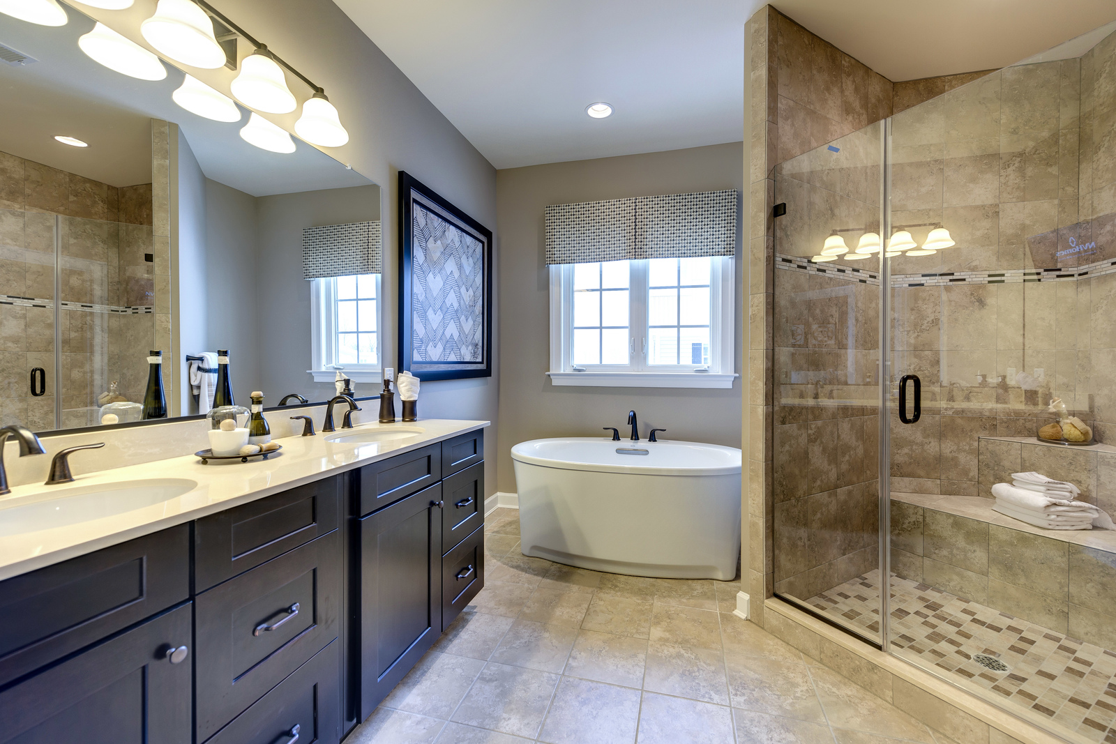 The choice is yours in your spectacular spa-like owner's bath.