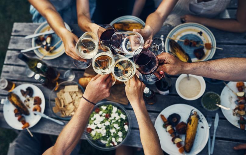Vineyard-inspired planned community amenities