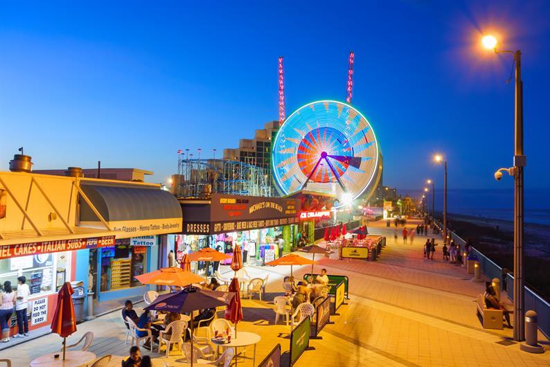 Experience Daytona Beach's Boardwalk & Pier at Night