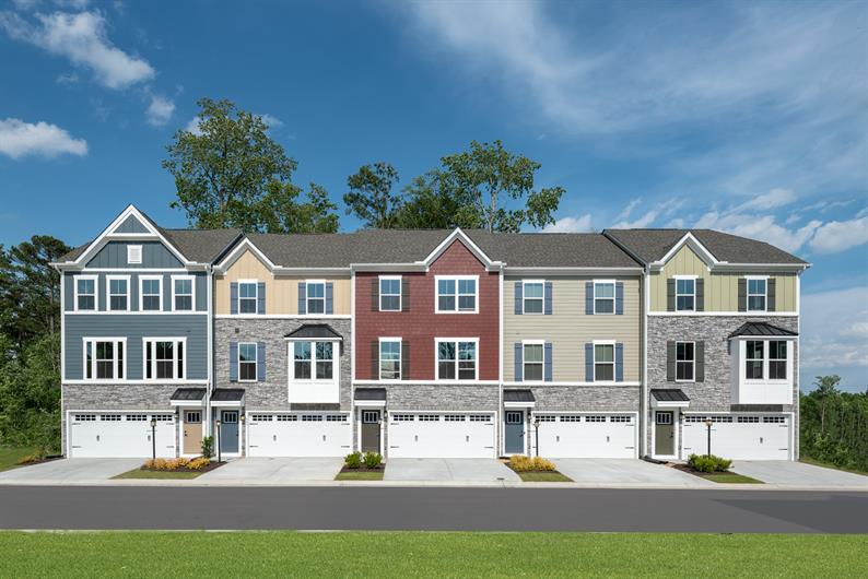 Townhomes walking distance to Downtown Apex