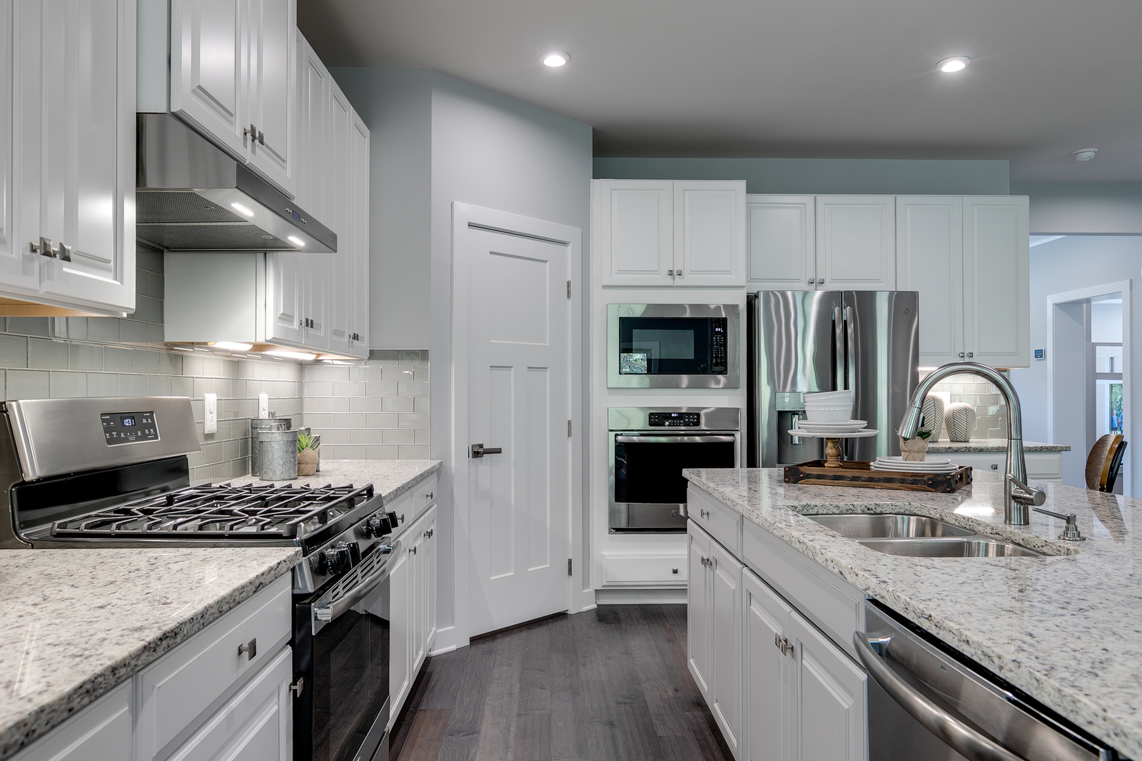 Your new home at Chalfont View includes high-end details, like your choice of white or espresso cabinetry, 12x12 tiled baths and laundry room, and even Nest thermostats.