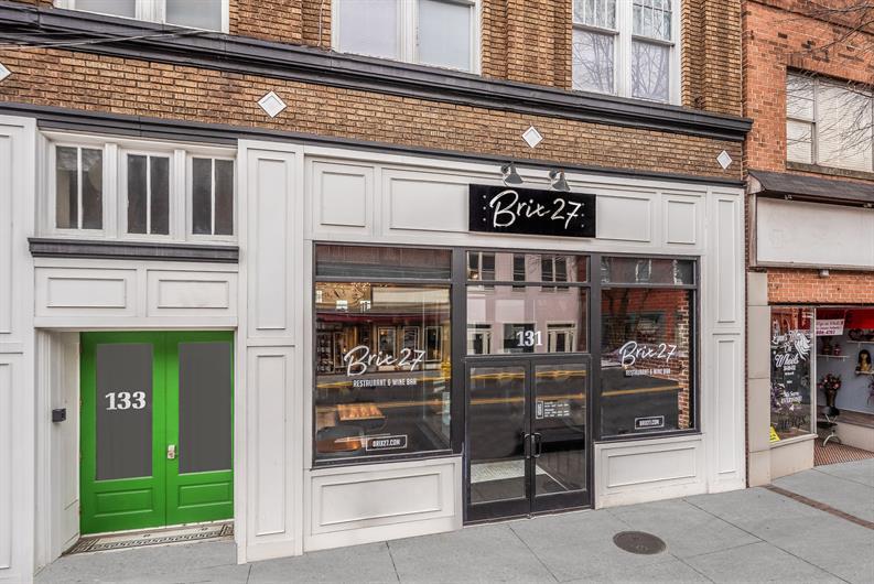 Brix 27 Wine Bar & Restaurant - 10 Mins Away