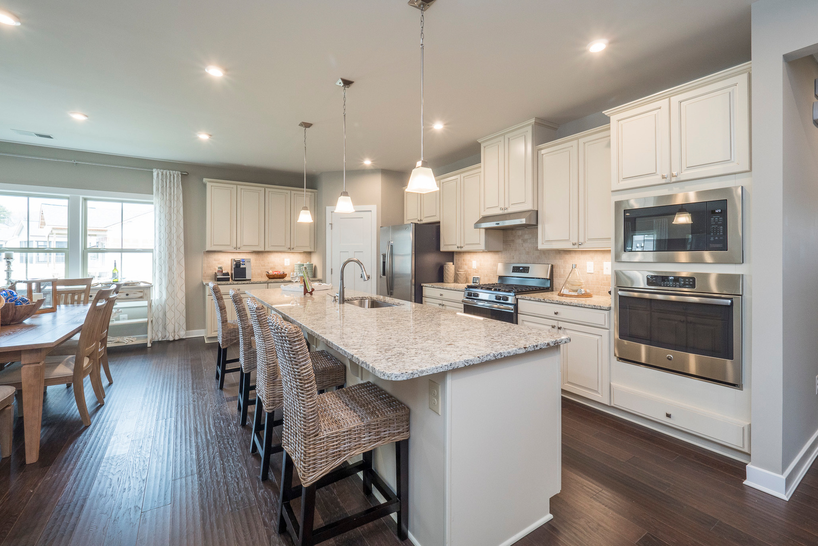 New Luxury Homes For Sale At Batson Creek Estates In
