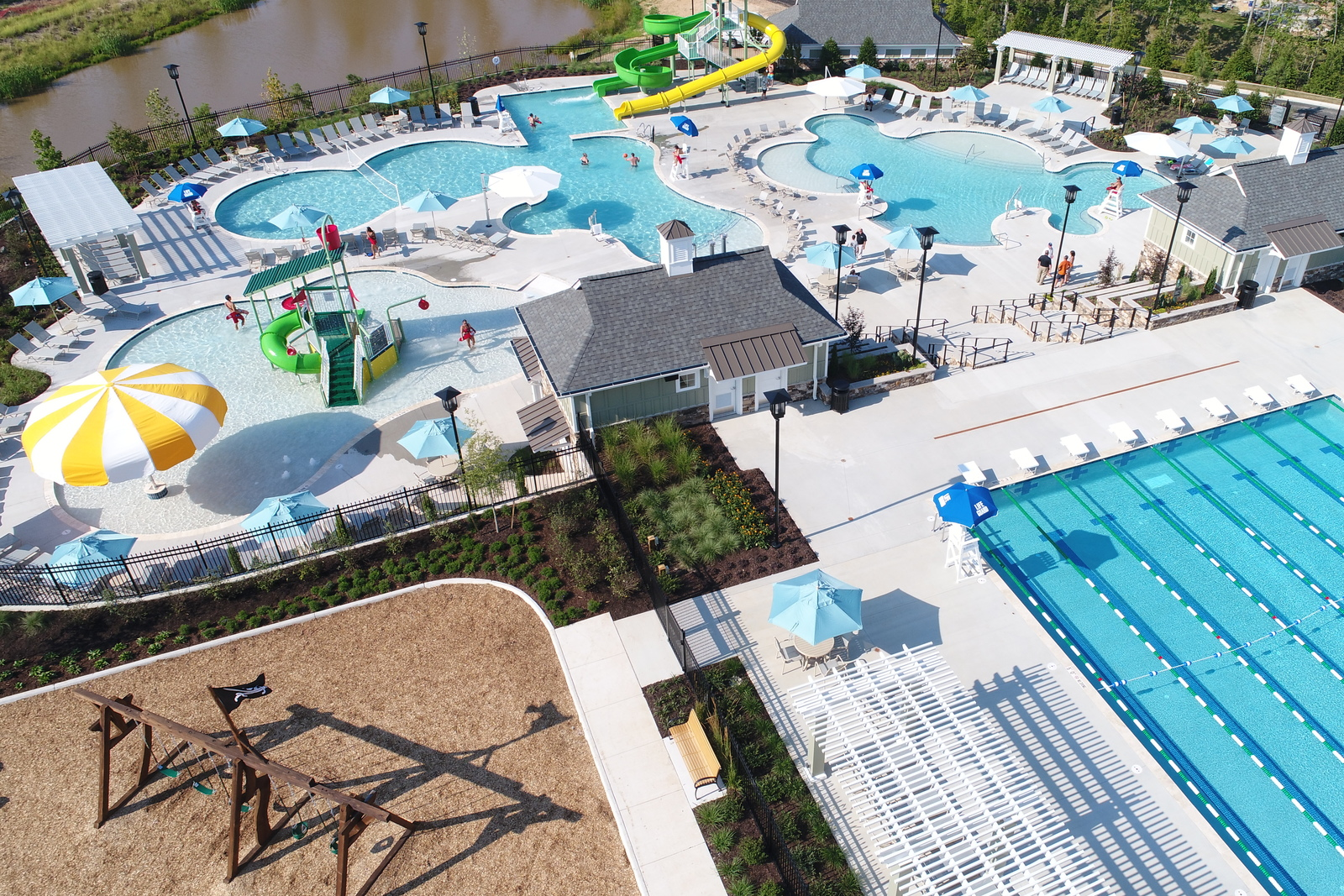 Come tourthe world class Magnolia Green amenities--live like you're on vacation with pools, golf and so much more! Private pool and club coming as well for our Charleston Club homeowners.